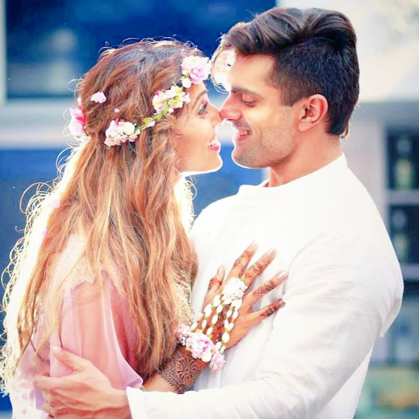 Bipasha Basu's Pregnancy Glow Makes Her Looking Stunning; Has Put ...