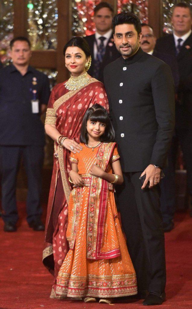 Aish and Abhishek with daughter Aradhya bachchan