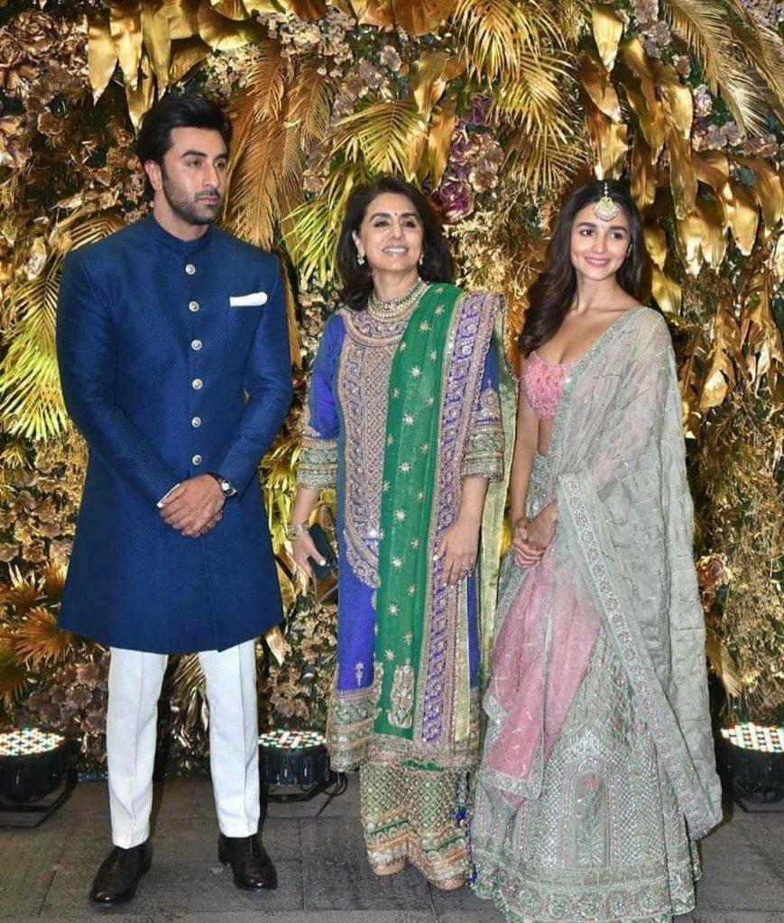 neetu kapoor with son ranbir kapoor and alia bhatt