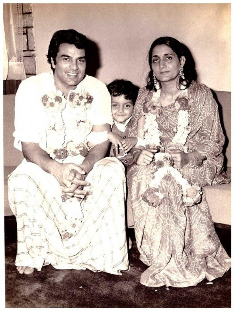 Dharmendra with first wife Prakash Kaur