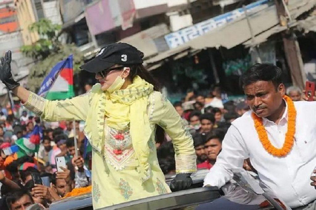 """Ameesha Patel in Bihar"""