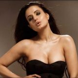 """Ameesha Patel on campaigning in Bihar"""